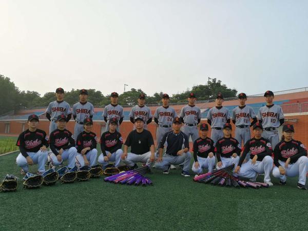 郑州18中在河南省棒垒球锦标赛上再创佳绩